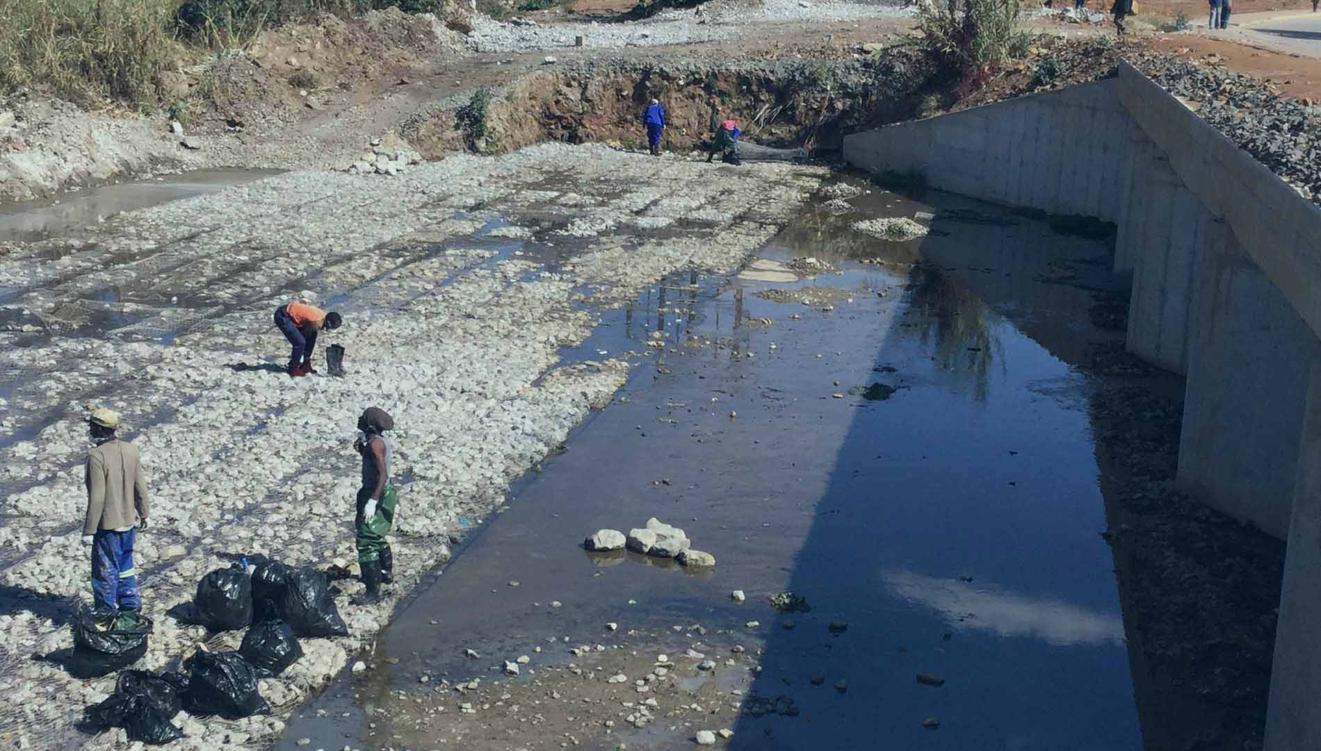 OchriO Magalies Water Clear River